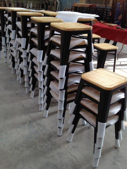 כיסא בר טוליקס עם מושב עץ